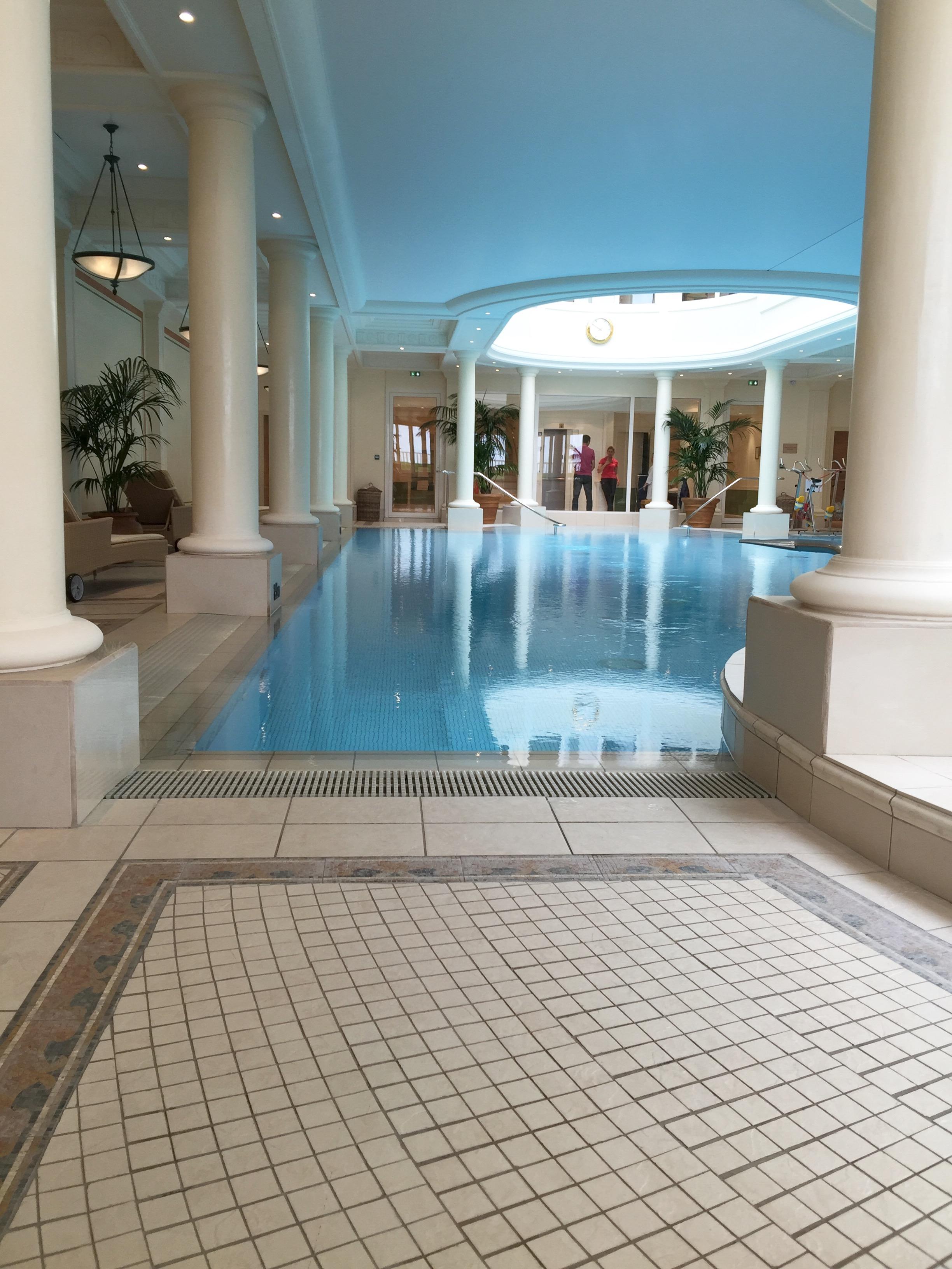 L gant transat piscine id es de bain de soleil for Transat piscine